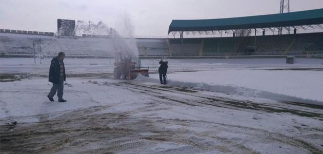Konya Atatürk Stadyumu hafta sonuna hazırlanıyor