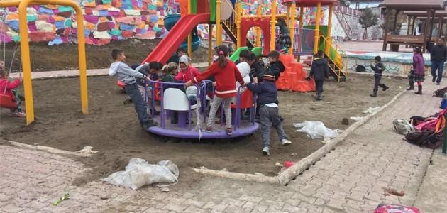 Seydişehir'da bazı mahallelere oyun parkı kuruldu