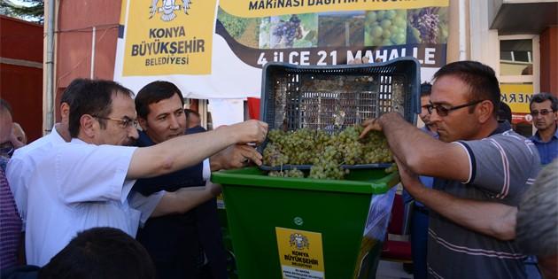 Konya Büyükşehir'den üzüm üreticisine üzüm sıkma makinesi