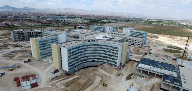 Konya Şehir Hastanesi yılda 2,5 milyon hastaya hizmet verecek