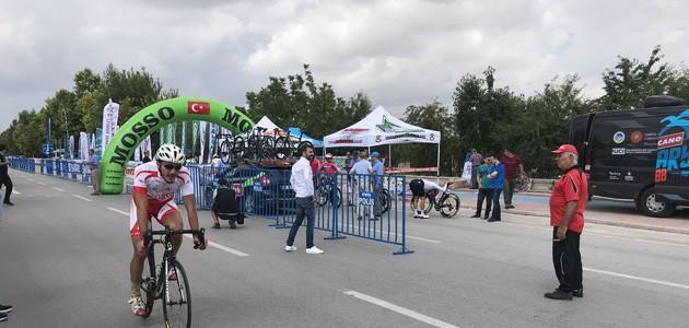 Uluslararası Mevlana Bisiklet Turu Konya'da başladı