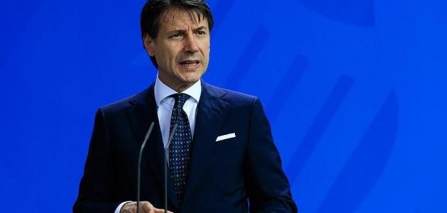 Conte: İkincil göçmen akışını kabul edemeyiz