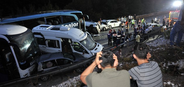 Bursa-Ankara karayolunda zincirleme trafik kazası