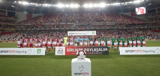 Antalya'da nefes kesen maç! 6 gol var, kazanan yok