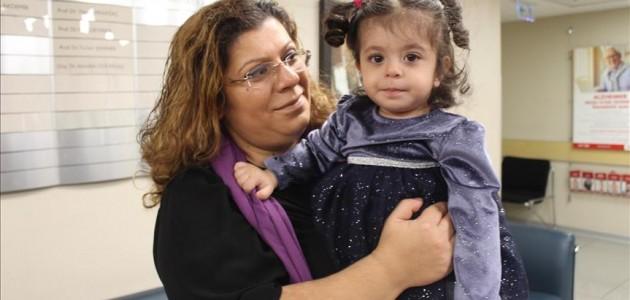 Prematüre bebek, şant ameliyatıyla hayata tutundu