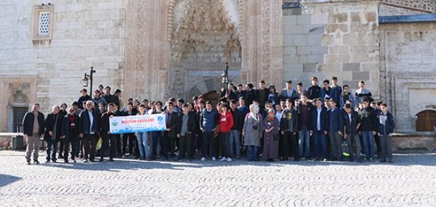 Konyalı İmam-Hatip Lisesi öğrencilerine Beyşehir'e kültür gezisi