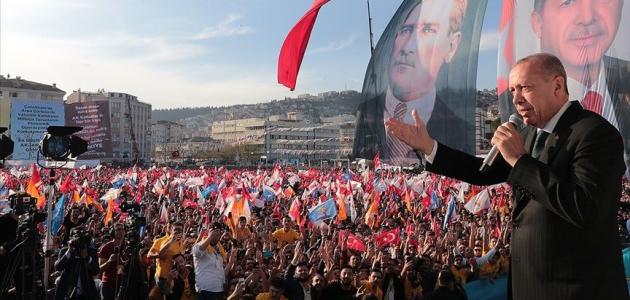 'Türkiye'ye parmak sallayanlar önce açıp bir tarih kitabı okusun'