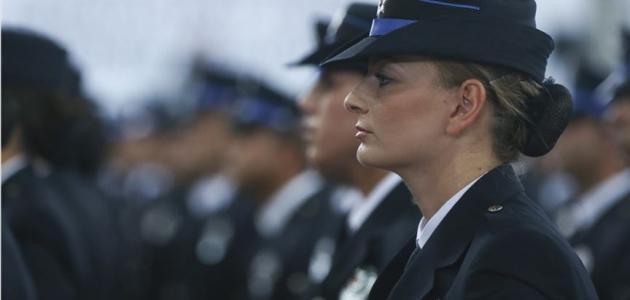 'Güven masaları'nda çalışmak üzere 2 bin 500 kadın polis alınacak'