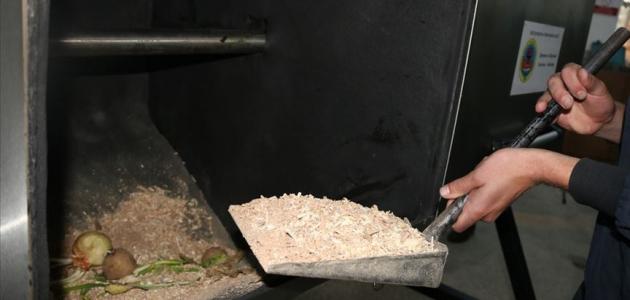 Meslek liselilerin ürettiği makine yemek artıklarını gübreye dönüştürüyor