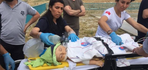 Pencereden düşen bebek  Konya'ya sevk edildi