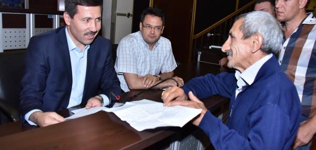 Karatay'da söz meclisleri sürüyor