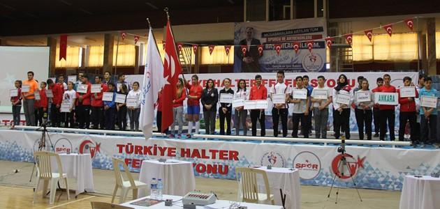 Türkiye Halter Şampiyonası Konya'da yapıldı