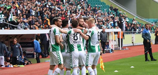 Konyaspor evinde Sivasspor'u 5-0 mağlup etti