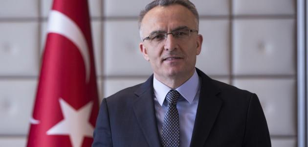 Maliye Bakanından döviz ve akaryakıt açıklaması