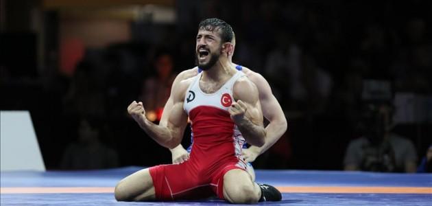 Milli güreşçi Kılıçsallayan'dan bronz madalya