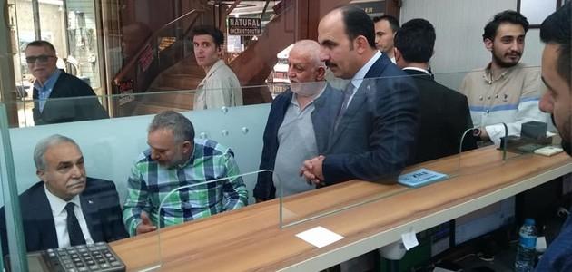 Bakan Fakıbaba'nın döviz bürosu ziyaretinde gündem ekonomi oldu