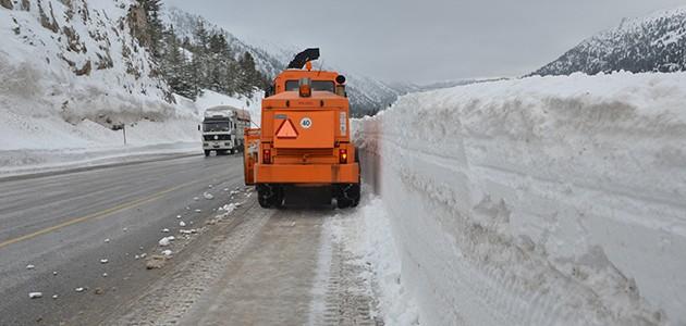 Alacabel'de kar temizleme çalışmaları sürüyor
