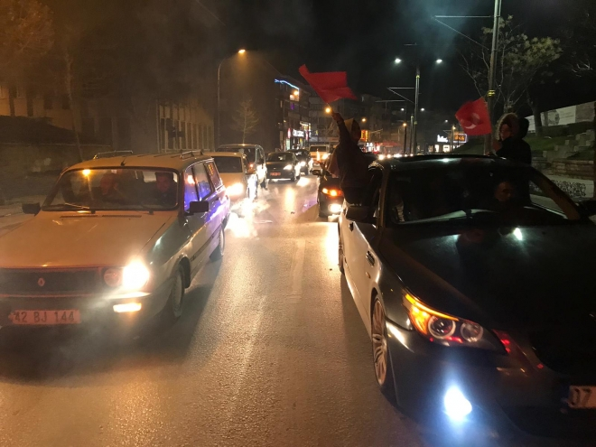 Konya'da seçim kutlaması