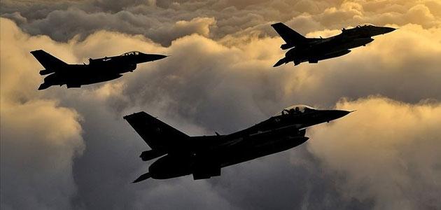 Irak'ın kuzeyinde terör örgütü PKK'ya ait hedefler imha edildi