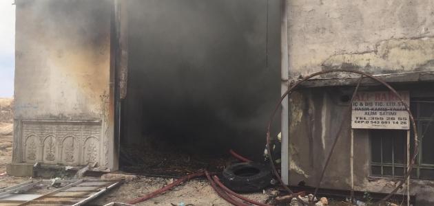 Konya'da iş yerinde yangın!