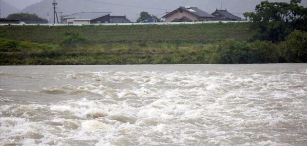 Japonya'da aşırı yağışlar 800 bin kişiyi yerinden etti