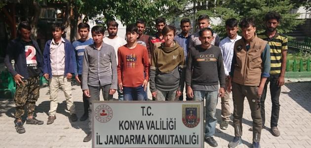 Konya'da 15 kaçak göçmen yakalandı