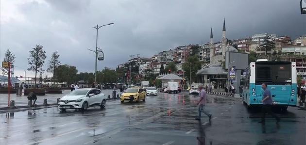 İstanbul'da yağış yer yer etkili oluyor
