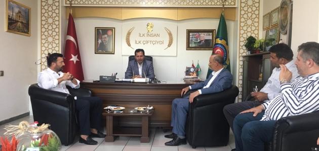 Ziya Altunyaldız, Meram Ziraat Odası Başkanı Yağız'ı ziyaret etti
