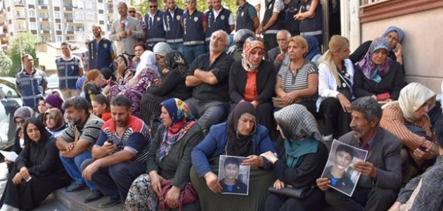 HDP binası önündeki oturma eylemine katılan aile sayısı 24'e yükseldi