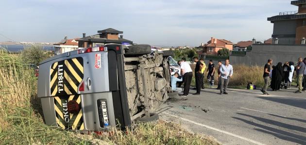 İstanbul'da okul servisi kaza yaptı:  6'sı öğrenci 9 yaralı