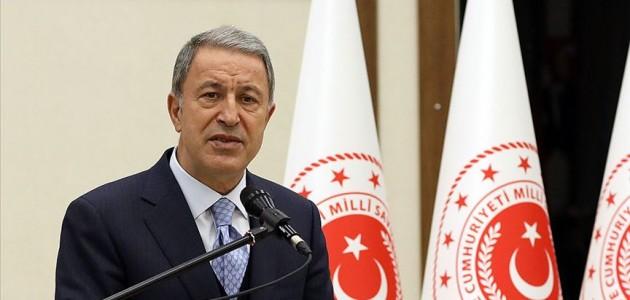 Milli Savunma Bakanı Akar: Güvenli bölge konusunda geciktirme olursa ABD ile çalışmalar biter