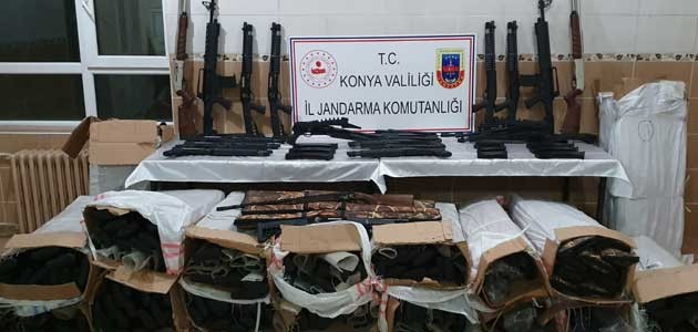 Konya'da kargo aracında 340 adet izinsiz av tüfeği ele geçirildi