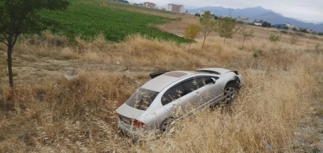Konya'da 2 ayrı kazada 4 kişi yaralandı