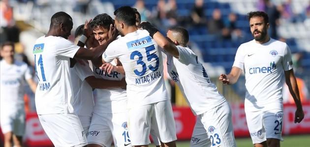 Kasımpaşa Antalyaspor karşısında ikinci yarı açıldı