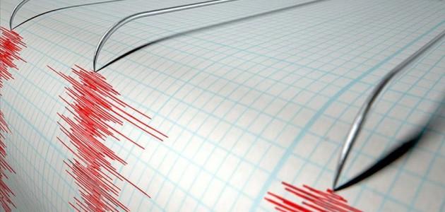 Endonezya'da 6,8 büyüklüğünde deprem