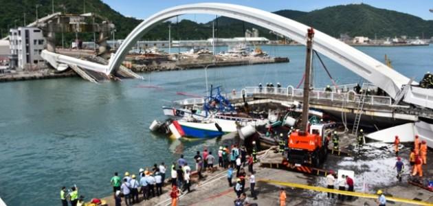Tayvan'da köprü çöktü: 10 yaralı, 5 kayıp