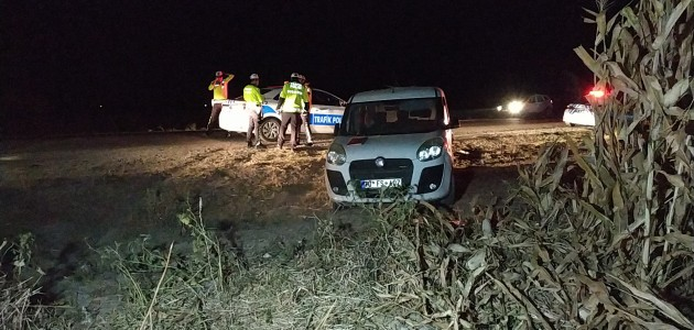 Trafik kazası için rapor tutan sigortacıya otomobil çarptı