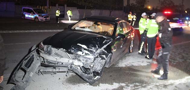 Konya'da polis aracına otomobil çarptı: 2'si polis, 3 yaralı