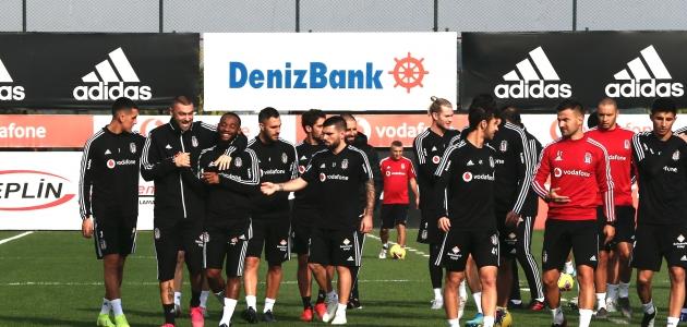 Beşiktaş, İttifak Holding Konyaspor maçı hazırlıklarını sürdürdü