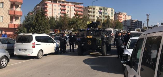 Adliye önündeki silahlı kavgada 1'i ağır, 5 kişi yaralandı