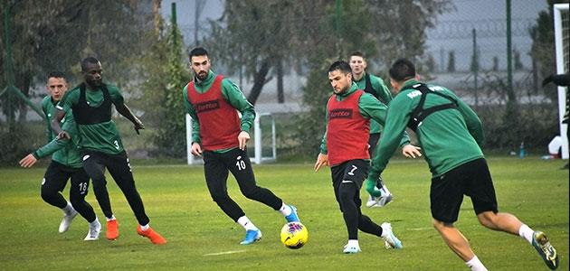 Konyaspor'da Çaykur Rizespor maçı hazırlıkları sürüyor