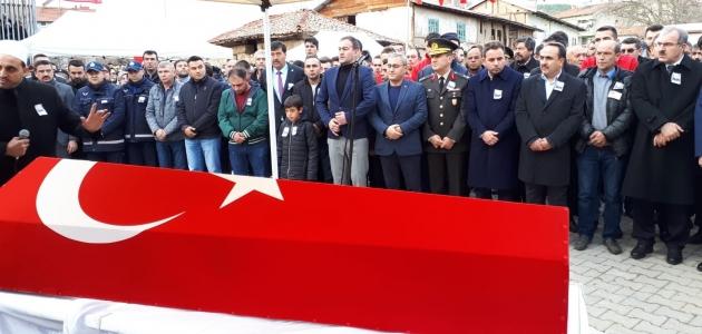 Şehit Uzman Onbaşı Ahmet Tunç'un son yolculuğuna uğurlandı