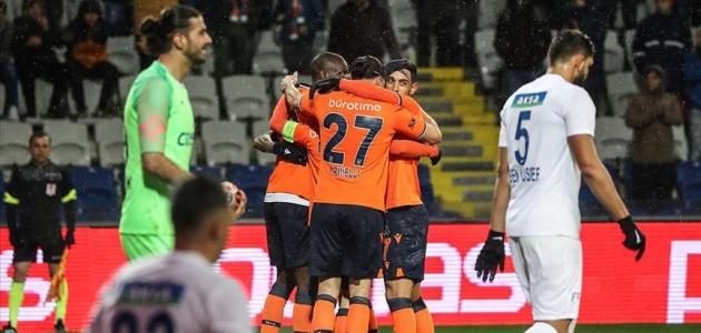 Medipol Başakşehir ilk yarıyı ikinci sırada tamamladı