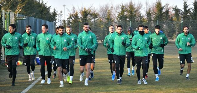 Konyaspor lig hazırlıklarına başladı