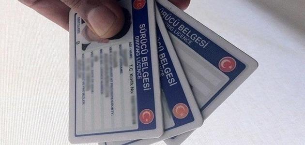 Eski tip sürücü belgelerinin değiştirilme süresi uzatıldı
