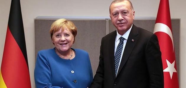 Cumhurbaşkanı Erdoğan ile Merkel bir araya geldi