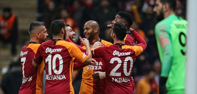 Galatasaray galibiyet serisine Kayserispor önünde devam etti