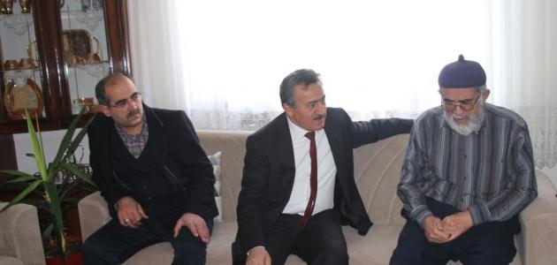 Başkan Tutal hasta ziyaretlerinde