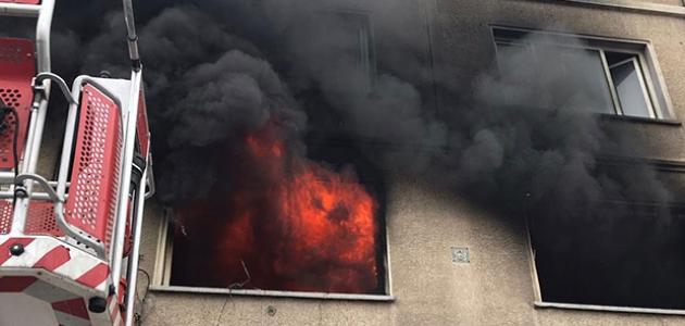Konya'da depo olarak kullanılan evde yangın
