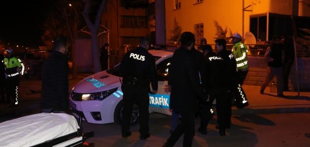 Otomobille polis aracı çarpıştı: 4 yaralı